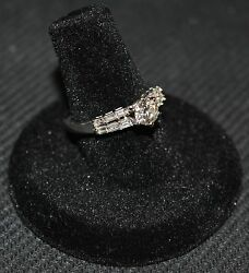 Superb Engagement Ring 18k White Gold And 0.60 Ct Central + 0.31 Ct Brilliants