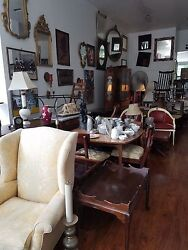 Antique Shop in West Harlem for Sale