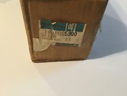 Nos Gm Oem Pontiac Front Bumber Molding/guard Assembly 10005300