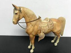 Breyer WESTERN HORSE (1967-1973) Traditional Mold No. 43 with Tan Saddle