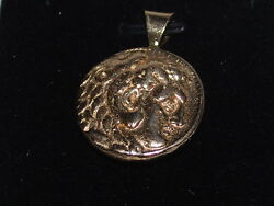 14k Gold Coin Style Pendant Weighs 17.8 Grams
