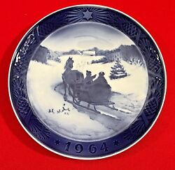 Royal Copenhagen Christmas Collector Plate1964 Fetching The Christmas Tree