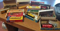 Lot Of 14 Miscellaneous Toy Train Cars And Accessories