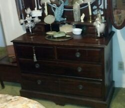 Antique Bedroom Wood Dresser With Mirrors