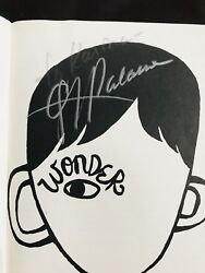 Wonder Book Signed By Author R.j. Palacios 2012 1 New York Times Bestsellers