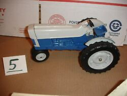 1/12 Ford 6000 Comander Toy Tractor