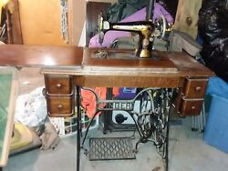 1920 Singer Sewing Machine In Cabinet