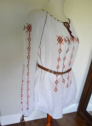 Traditional 'Ia' Blouse crafted in Romania