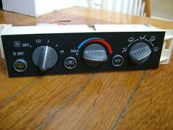 1996-1997-1998-1999 CHEVY TAHOE SUBURBAN YUKON HEATER CLIMATE CONTROL UNIT OEM.