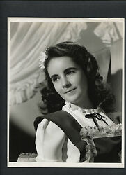 Elizabeth Taylor At 12 Years Old - Clarence Bull Photo For 1944 National Velvet