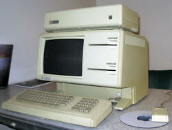 SUPER RARE APPLE LISA 1 COMPUTER SYSTEM IN WORKING CONDITION !!!!