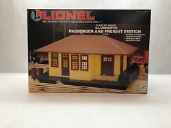 Vintage Lionel Illimuninated Passenger And Freight Station In Box Model 6-12728