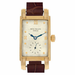 Vintage Patek Philippe Classic in 18k with off white dial. Manual w/ sub...