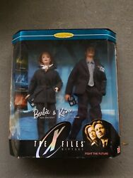 X Files Barbie And Ken As Mulder And Scully Fight The Future Gift Set Nrfb