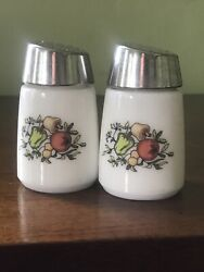 """Vintage Starline 902 White Glass Salt And Pepper Shakers With Vegetable Motif 3"""""""