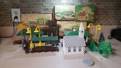 Plasticville Usa Church, Freight Station, 2 Passenger Stations And Accessories