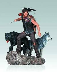 The Walking Dead 10 Inch Statue Tv Series - Daryl And The Wolves Shelf Wear