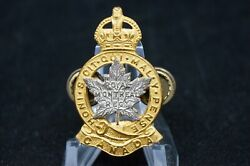 Ww2 Canadian Royal Montreal Regiment Officers 2 Piece Silver And Gilt Cap Badge