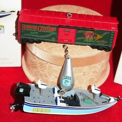 Hallmark 2009 Lionel Holiday Boxcar And Bass Reelin' In The Good Times Ornaments