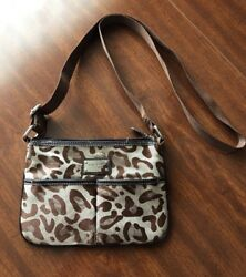 nine west handbag crossbody for Ladies. $7.50