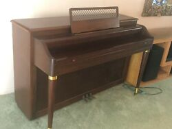 Vintage Lester Betsy Ross Spinet Piano