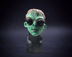 Halloween Realistic Silicone Mask Area 51 Classic Alien Wearable Prop Half Mask