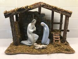 Lladro Nativity Set With Stable 71070019