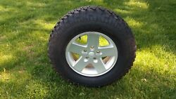Jeep 17 Factory Wheel And Tire