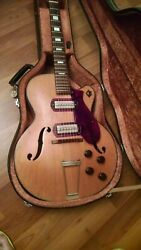 Early 1950and039s Harmony H-62 Archtop Hollow Body Electric Guitar