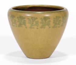 Marblehead Pottery Ht Seaweed Decorated Vase Arts And Crafts Matte Yellow Green