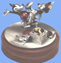 Disney Mickey And Minnie Dancing Le Pewter