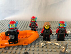 Lego Minifigure City Deep Sea Diving Exploration W/ Divers Sharks And Boat 60095
