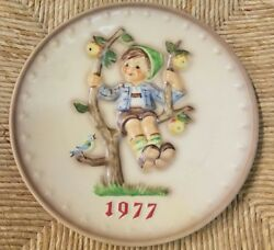 M.j.hummel Lot Of 9 Annual Collector Plates 1977-1985