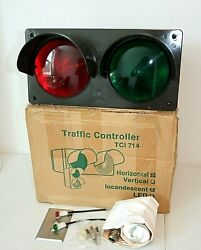 Horizontal Traffic Controller Light, Incandescent 2 Lens, Red And Green Signal Nib