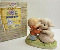 1998 Precious Moments 261106 Country Lane Hogs And Kisses Porcelain Figurine