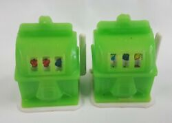 2 Mini Slot Machine Green Charms Toy Keychain Souvenir Gumball Prize Moving Arm