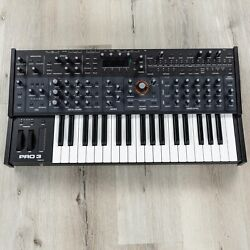 Sequential Pro 3 37-key Multi-filter Mono / Paraphonic Synth Synthesizer