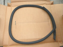 Nos Oem Ford 1971-73 Mustang Coupe Fastback Rh Roof Rail Seal Weatherstrip