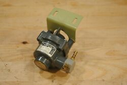 Airesearch/hawker Differential Pressure Controller 130368-136-643