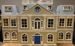 Calico Critters Cloverleaf Manor Mansion Furnished W/@80 Critters And Accessories