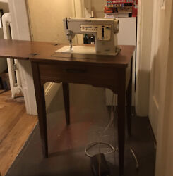 Vintage Singer Stylist Zig Zag Model 457 Sewing Machine And Table