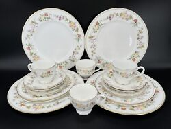 Wedgwood Mirabelle 5 Piece Place Setting X 4 Bone China England 20 Pieces
