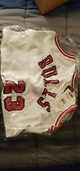 Chicago Bulls Michael Jordan 23 Mitchell And Ness White 1984-85 Authentic Jersey