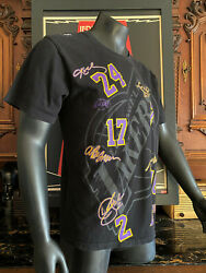 Lakers Team Signed T-shirt, 24 Koby Bryant, 17 A. Bynum, 16 Shaquille O'neal