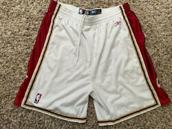 Authentic 2004 Cleveland Cavaliers Basketball Shorts Reebok Size 38