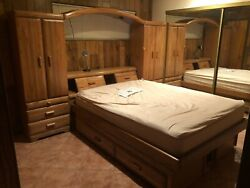 Oak Pier Wall, Queen Size Platform Bed, Chest, And Entertainment Chest