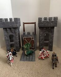 Schleich Castle Two Towers And Drawbridge + Knights Horses Dragon