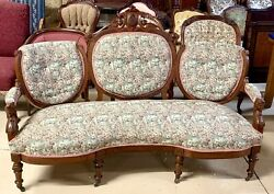Antique American Victorian Sofa With Carved Walnut In 3 Section Back