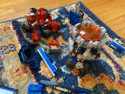 Nexo Lego Knights Axl's Tower 66547 Carrier Toys R Us Extra Awesome Figures Set