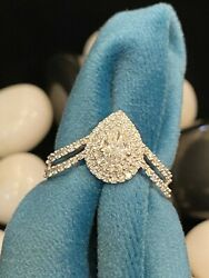 0.73 Tcw Pear Round Cut Natural Diamonds Engagement Ring In 750 Stamped 18k Gold